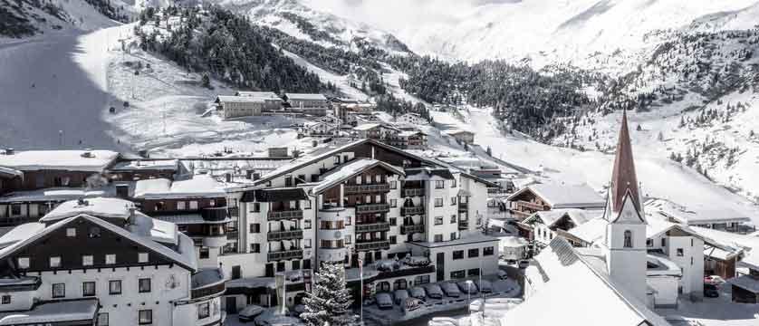 Austria_Obergurgl_Hotel-Edelweiss-&-Gurgl_exterior.jpg